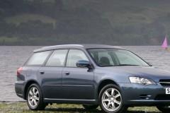 Subaru Legacy estate car photo image 1