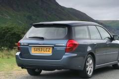 Subaru Legacy estate car photo image 3