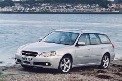 Subaru Legacy estate car photo image 4