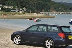 Subaru Legacy estate car photo image 5