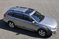 Subaru Outback estate car photo image 7