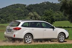Subaru Outback estate car photo image 8