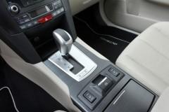 Subaru Outback estate car photo image 15