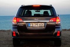 Subaru Outback estate car photo image 3