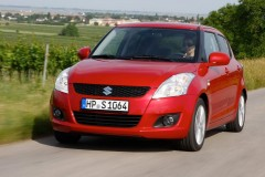 Suzuki Swift hatchback photo image 12