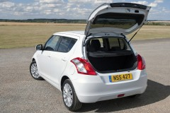 Suzuki Swift hatchback photo image 11