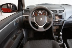 Suzuki Swift hatchback photo image 10