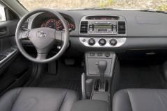 Toyota Camry sedana foto attēls 1