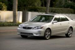 Toyota Camry sedana foto attēls 4