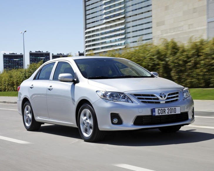 toyota corolla sedan 2010 2013 reviews technical data prices. Black Bedroom Furniture Sets. Home Design Ideas