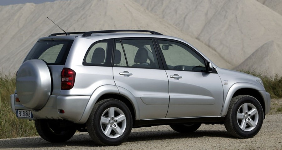 toyota rav4 2003 fuel consumption