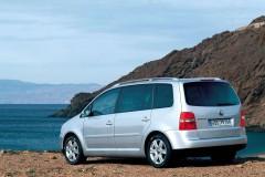 Volkswagen Touran minivena foto attēls 3