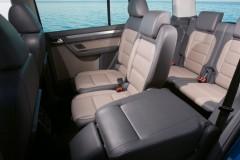 Volkswagen Touran minivena foto attēls 2