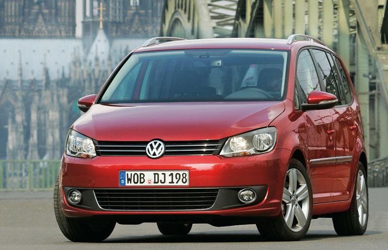 Volkswagen Touran 2010 foto attēls