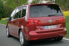 Volkswagen Touran minivena foto attēls 4