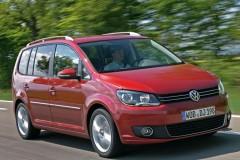 Volkswagen Touran minivena foto attēls 10