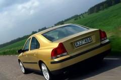 Volvo S60 sedan photo image 19