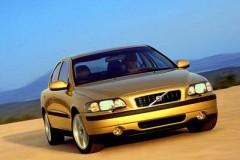 Volvo S60 sedan photo image 2