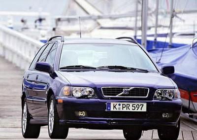 Volvo V40 2000 foto attēls