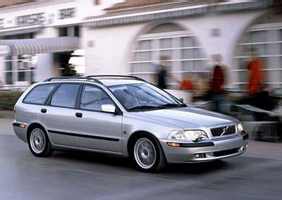 volvo v40 estate car wagon 2002 2004 reviews. Black Bedroom Furniture Sets. Home Design Ideas