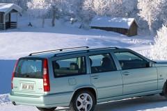 Volvo V70 universāla aizmugure, no sāniem