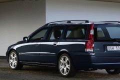 Zila Volvo V70 universāla aizmugure