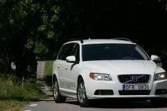 Balta Volvo V70 universāla priekšpuse