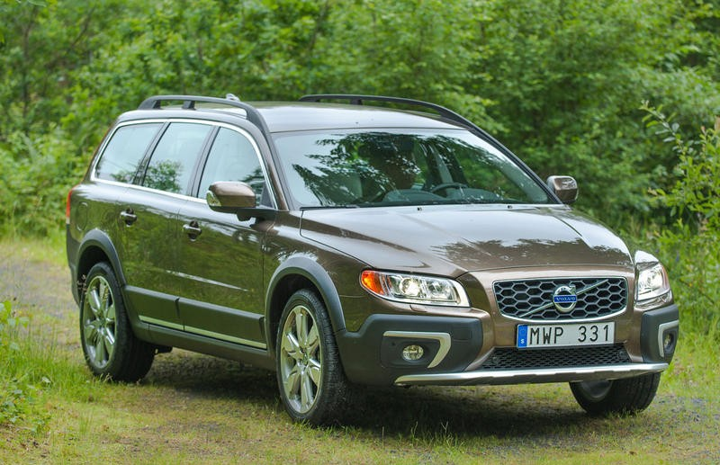 Volvo XC70 Estate car / wagon 2013 - reviews, technical data